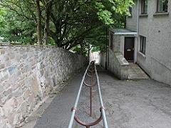 ラーウィックの細い坂道