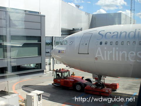SK983 AIRBUS 340-300