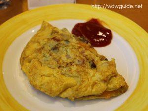 ザイデルダムのリドでの朝食のオムレツ