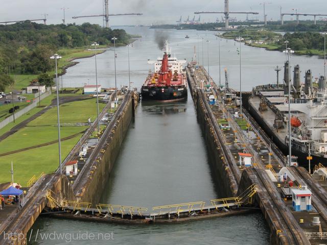 パナマ運河のガトゥン閘門