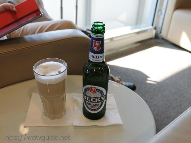 デュッセルドルフ空港のルフトハンザビジネスラウンジの飲み物