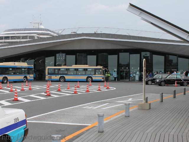 横浜港大さん橋国際客船ターミナル(大桟橋)入り口