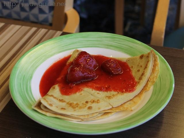 フォーレンダムのリドでの朝食のクレープ