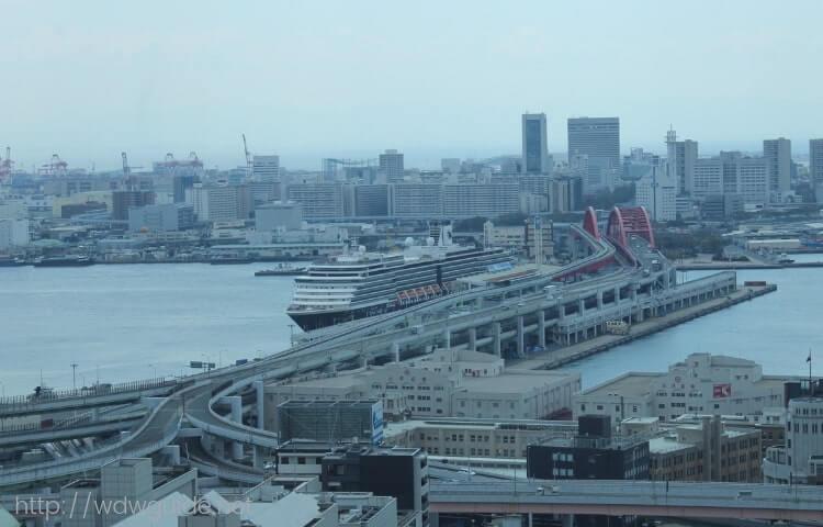 神戸市役所の展望ロビーから見たウエステルダム