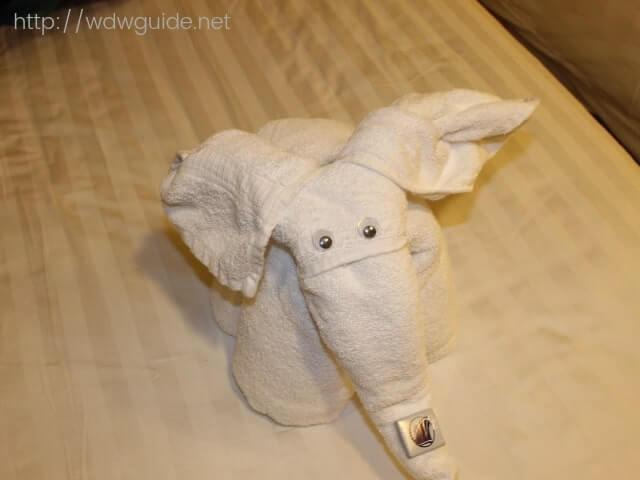 今夜のタオルアートの象