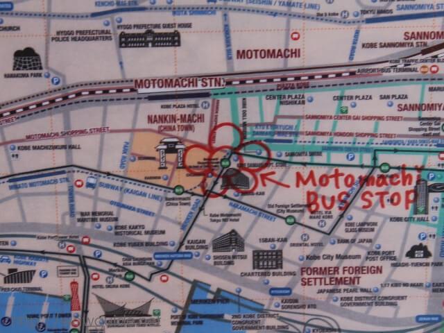 シャトルバスの停留所を案内する地図