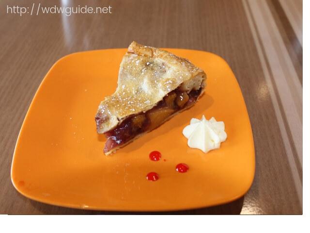 ウエステルダムのリドで食べたデザートのアップルパイ