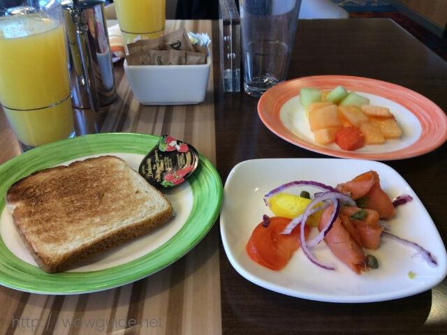 ウエステルダムのリドで食べた朝食
