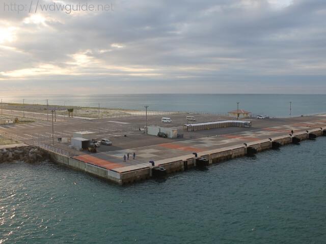 ウエステルダムから見た石垣島港