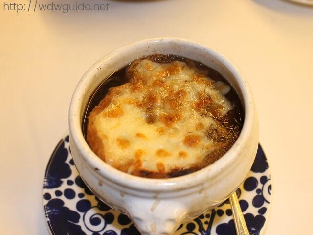 ウエステルダム メインダイニング ディナーのスープ