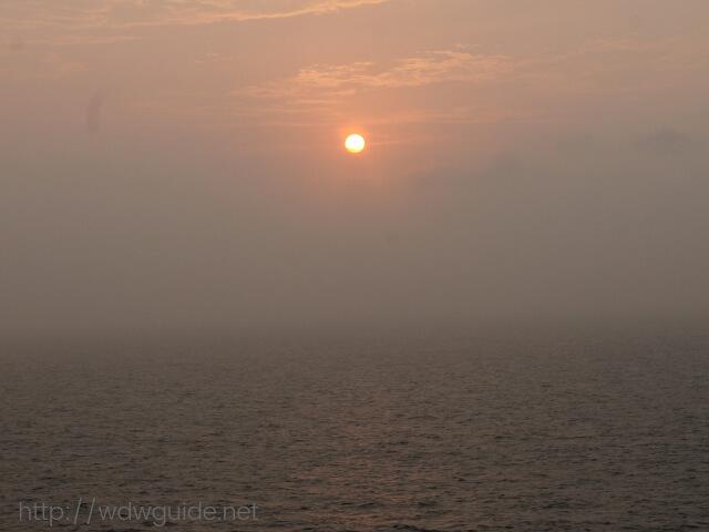 ウエステルダムから見た朝日