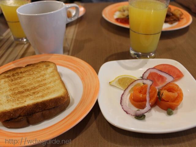 ウエステルダムでのリドの朝食