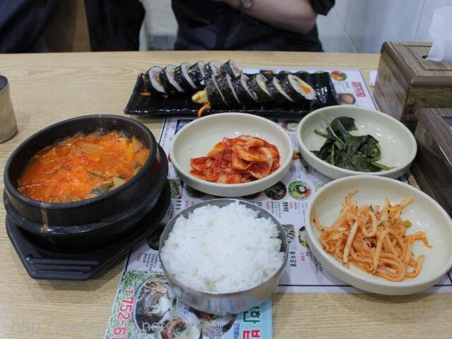 韓国済州島の中央地下商店街にある食堂