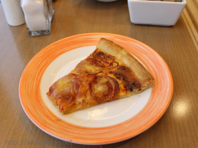 ウエステルダムのリドで食べたピザ