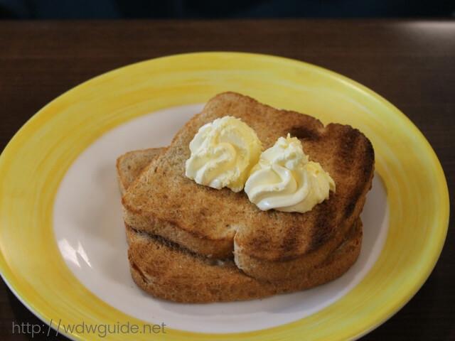 ウエステルダムのリドでの朝食のトースト