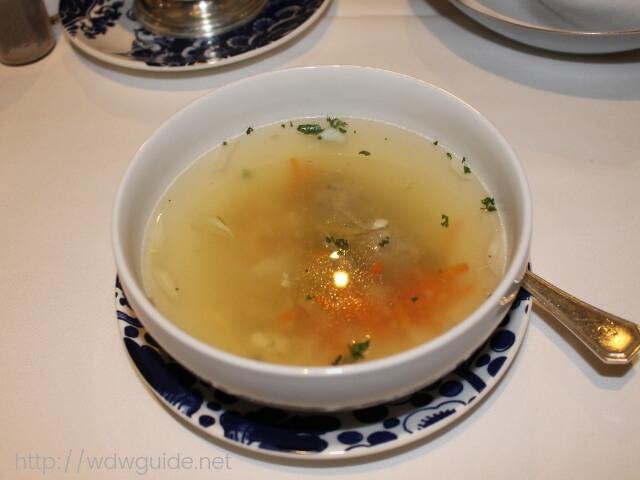 ウエステルダムのメインダイニングでのディナーのスープ
