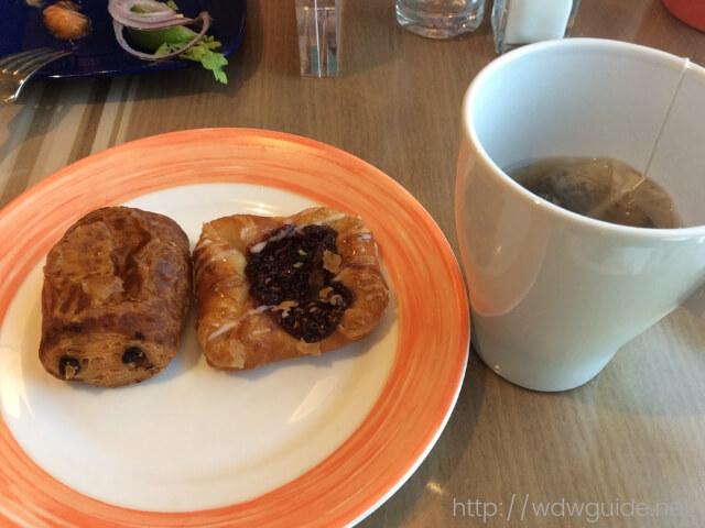 ウエステルダムのリドの朝食のペストリー