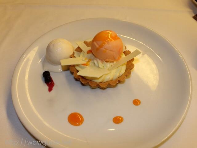 ウエステルダムのメインダイニングでのディナーのデザート