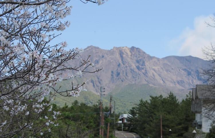 道の駅 桜島 火の島めぐみ館から見た桜島と桜