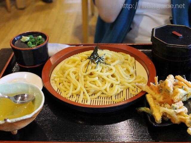 道の駅 桜島 火の島めぐみ館で食べた小みかんざるうどんセット