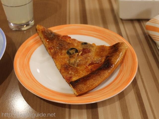 ウエステルダムのリドで行われた夜食で食べたピザ