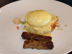 ウエステルダム リドでの朝食のエッグベネディクト