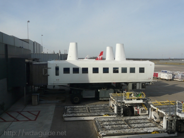ワシントンダレス国際空港(IAD)のモービルラウンジ
