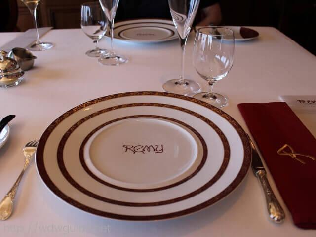 ディズニーファンタジーの有料レストランのレミーでのブランチ