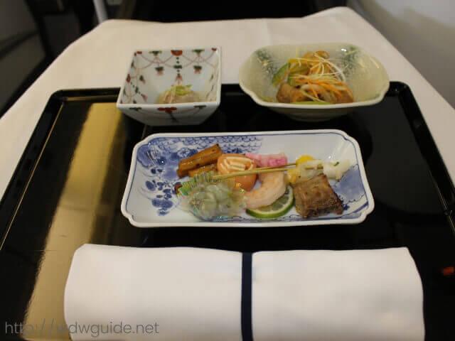 復路の成田に向かうANAのビジネスクラスの食事