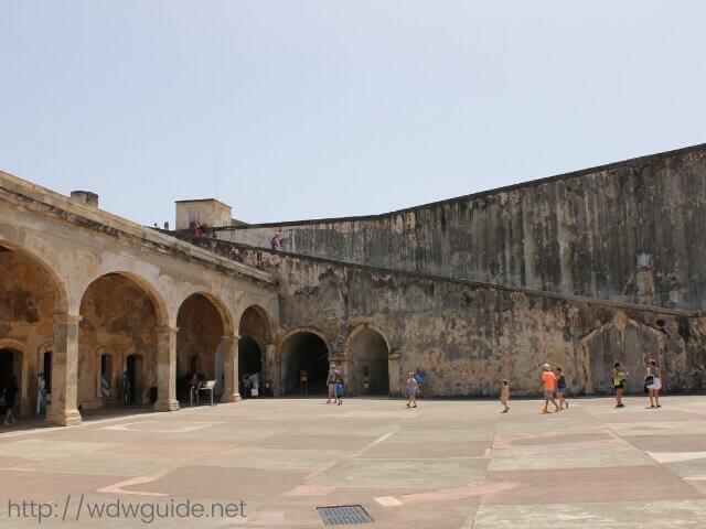 プエルトリコのサンフアンにあるサンクリストバル要塞の広場