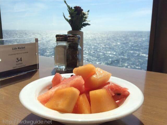 ウエステルダム リドでの海をみながらの朝食