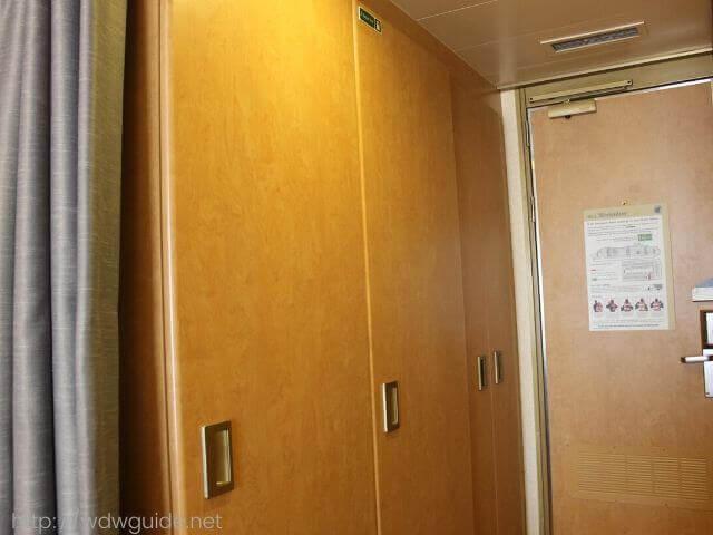 ホーランドアメリカラインのウエステルダムの客室クローゼット