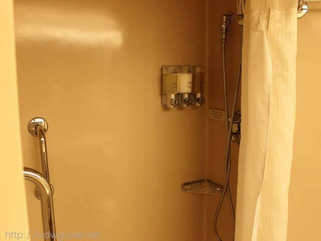 ホーランドアメリカラインのウエステルダムの客室のシャワーブース