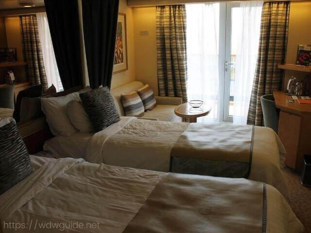ウエステルダムのべランダ付き客室