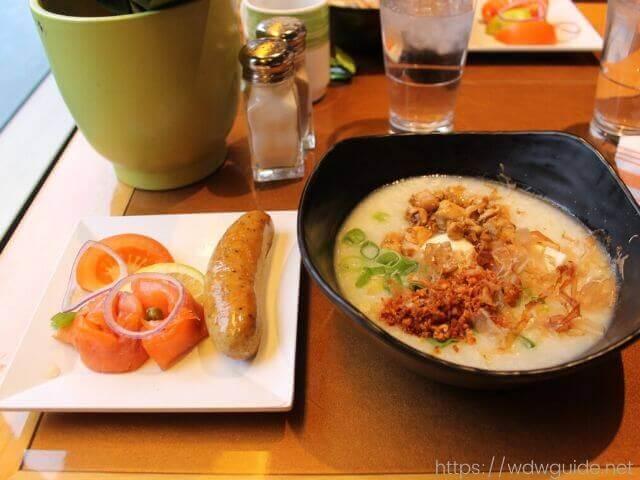 ザイデルダムのリドの朝食