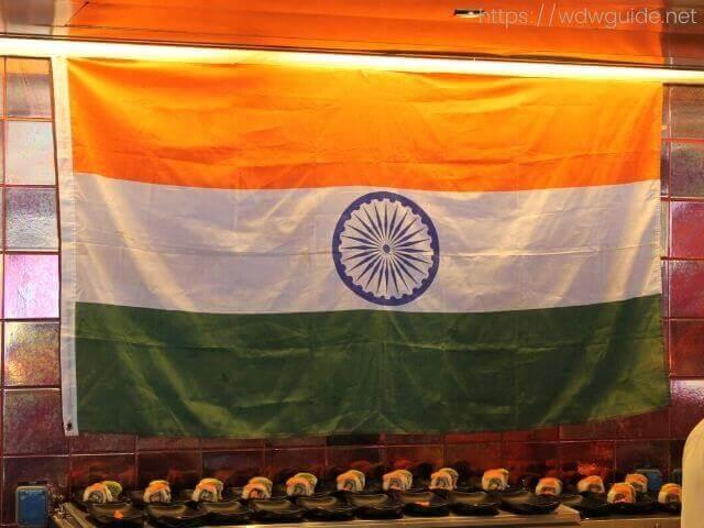 ザイデルダムのリドに掲げられたインド国旗