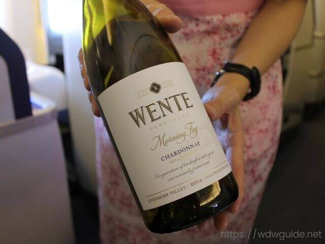 ANAビジネスクラスの白ワイン