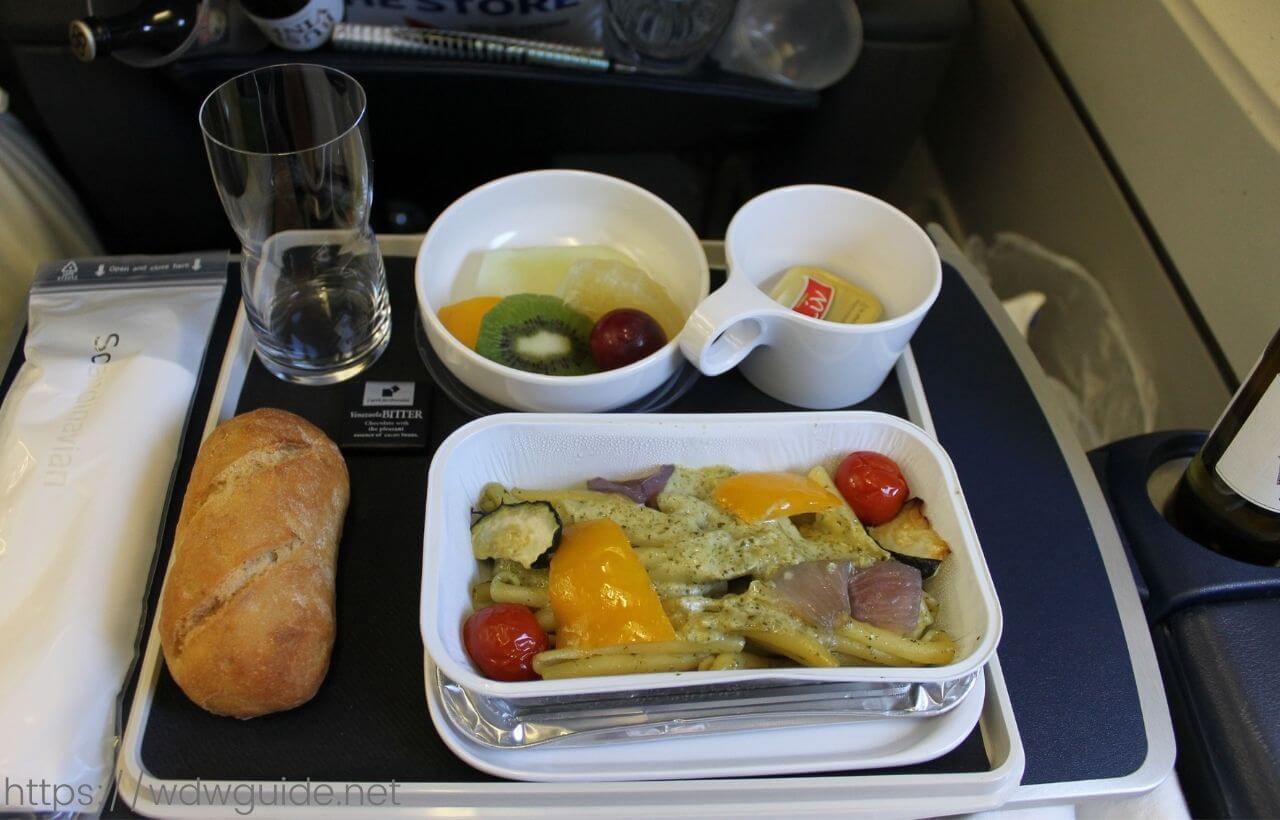 スカンジナビア航空(SAS) プレミアムエコノミーの機内食の2食目