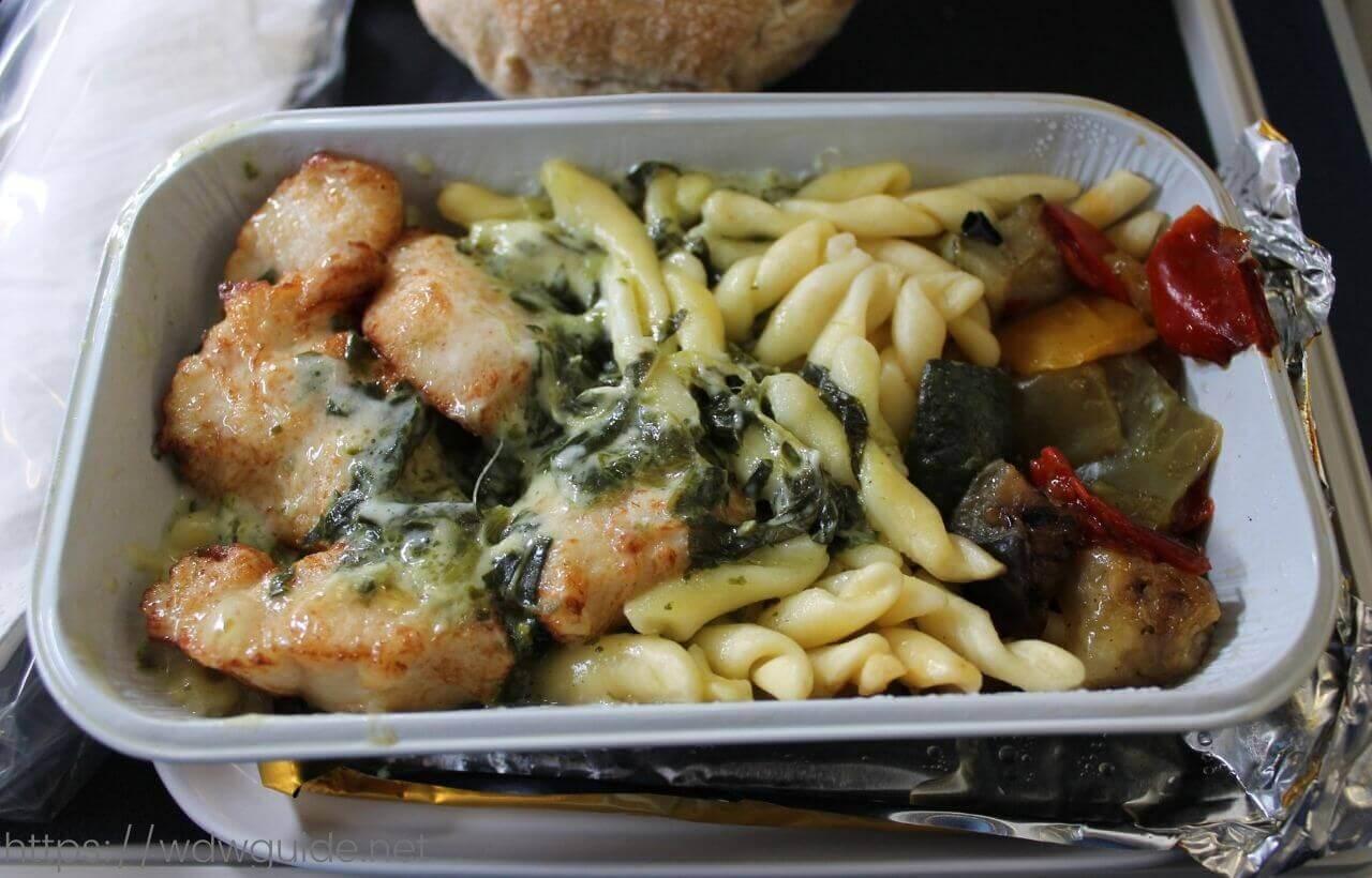 スカンジナビア航空(SAS)のプレミアム・エコノミークラス (SAS Plus : SASプラス) のチキン料理