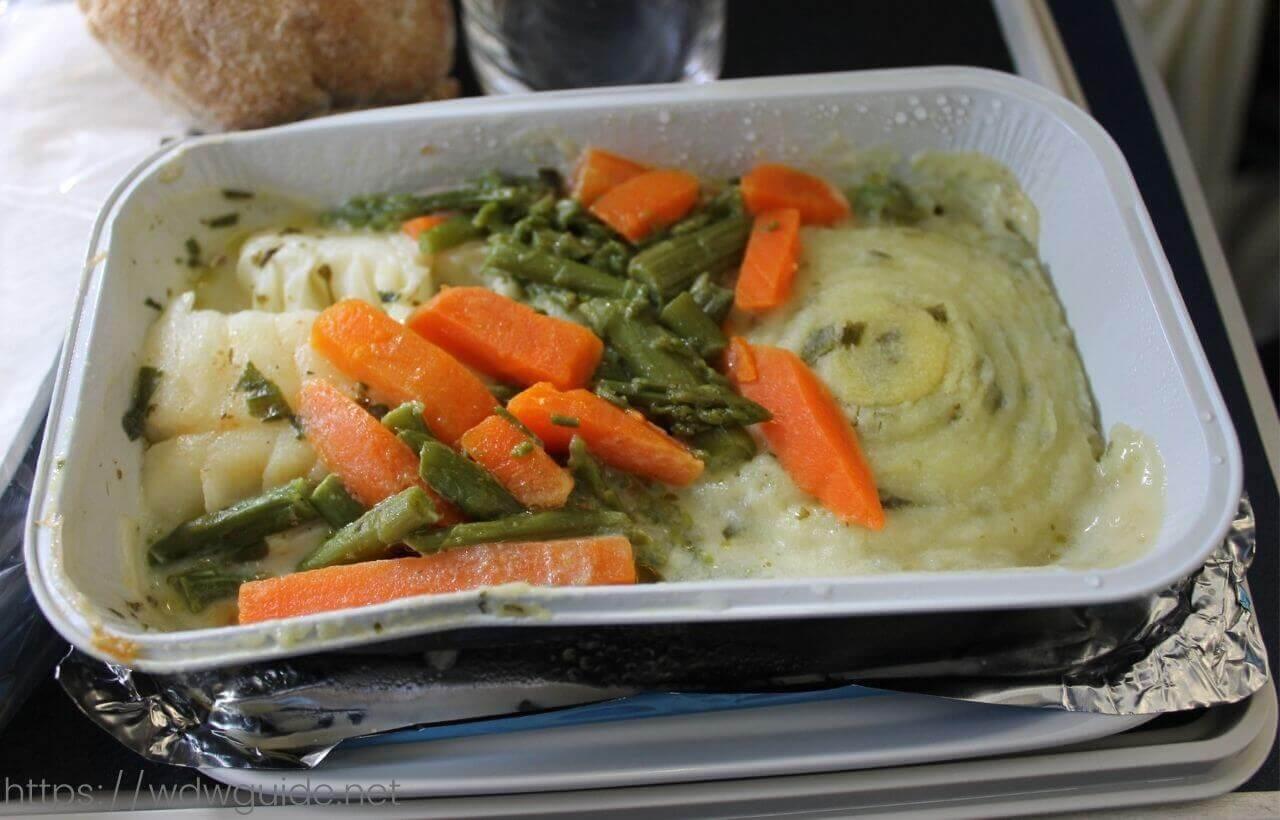 スカンジナビア航空(SAS)のプレミアム・エコノミークラス (SAS Plus : SASプラス) の魚料理