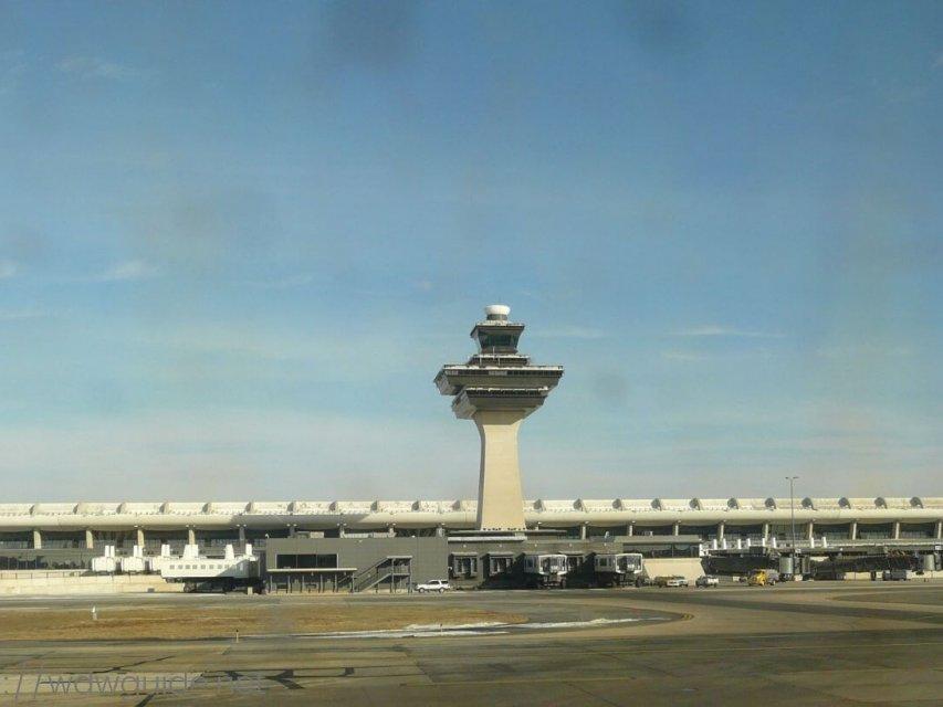 ワシントンダレス国際空港(IAD)での乗り継ぎ方法