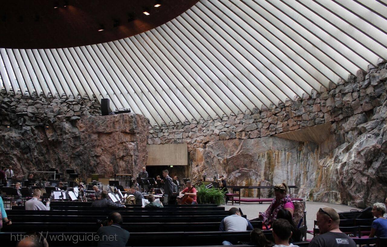 ヘルシンキのテンペリオ・ウキオ教会