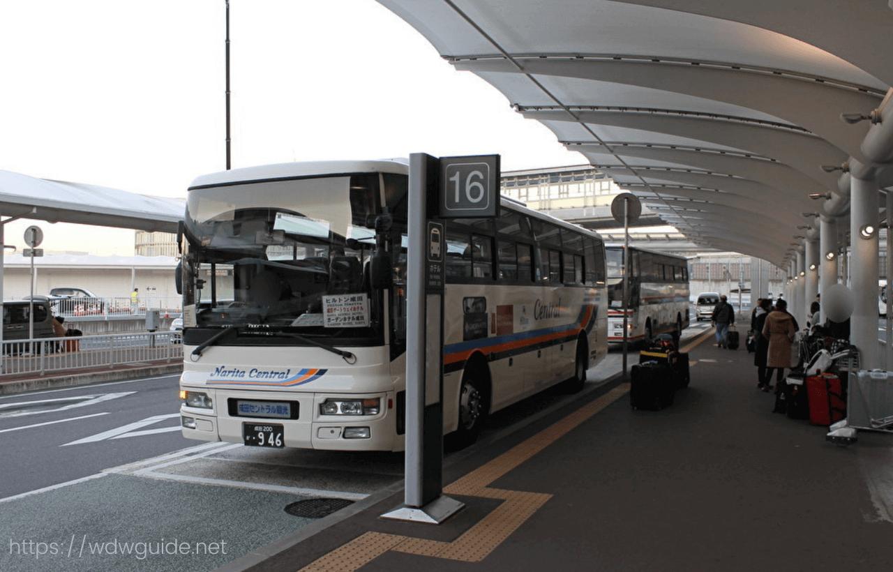 ホテルのシャトルバス
