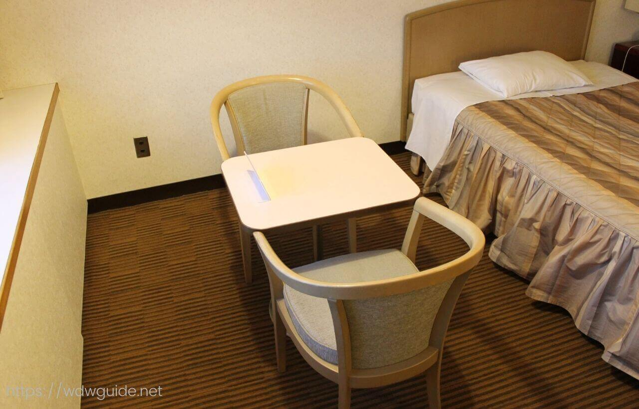 成田エアポートレストハウスの椅子