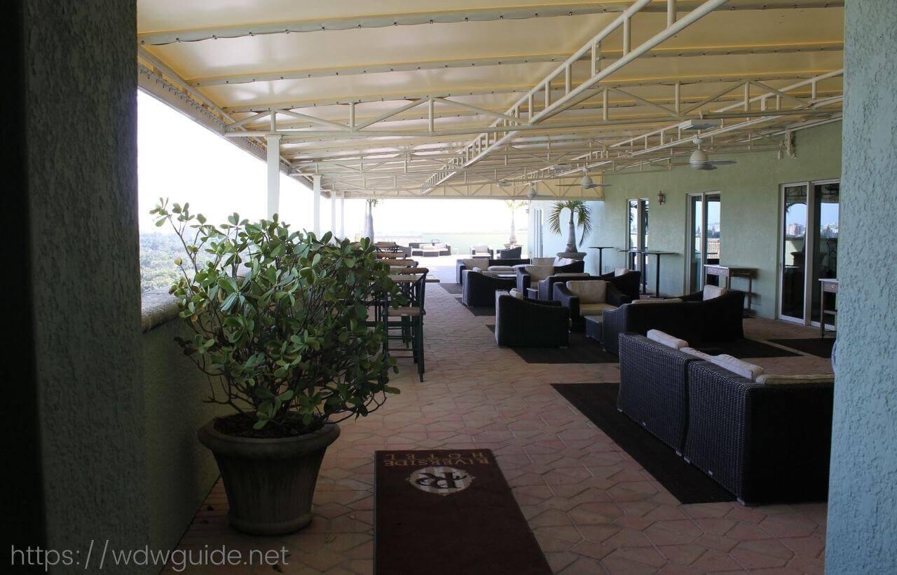 フォートローダーデールのリバーサイドホテルの喫煙所