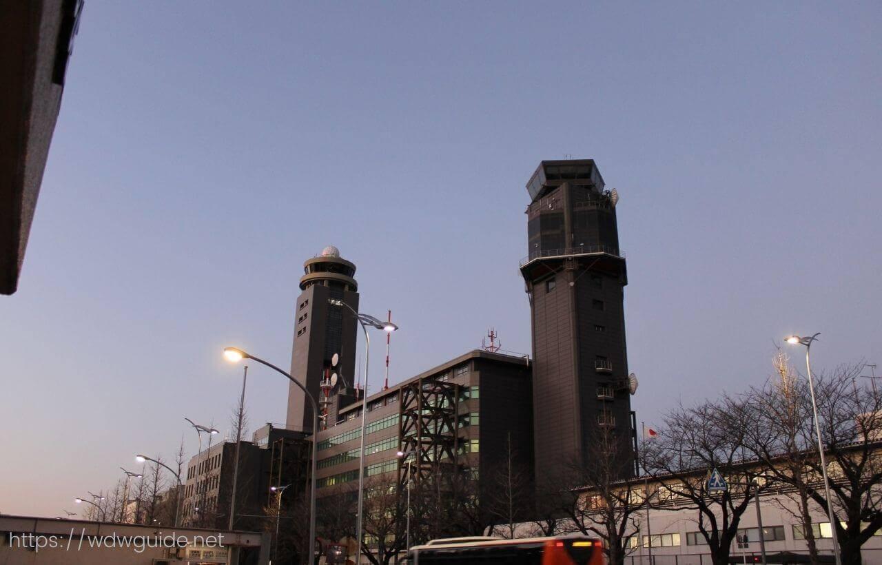 成田エアポートレストハウス近くの管制塔