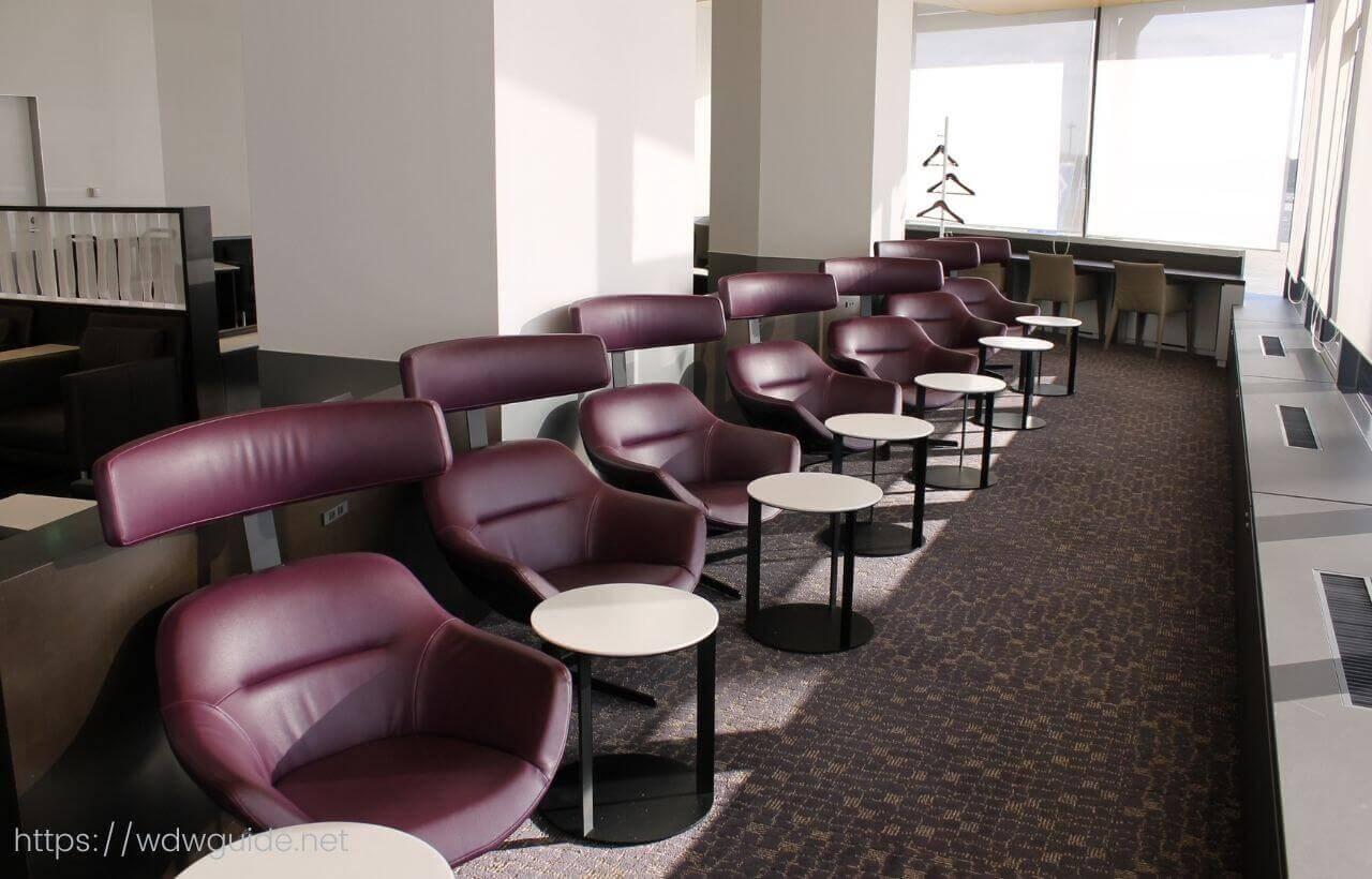成田空港第一ターミナルのANAファーストクラス用 SUITEラウンジの内部