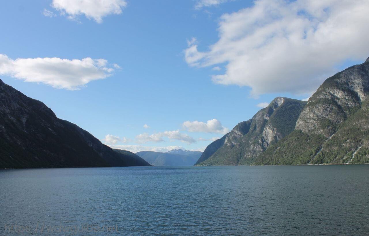 クルーズ船から見た北欧ノルウェーフィヨルド