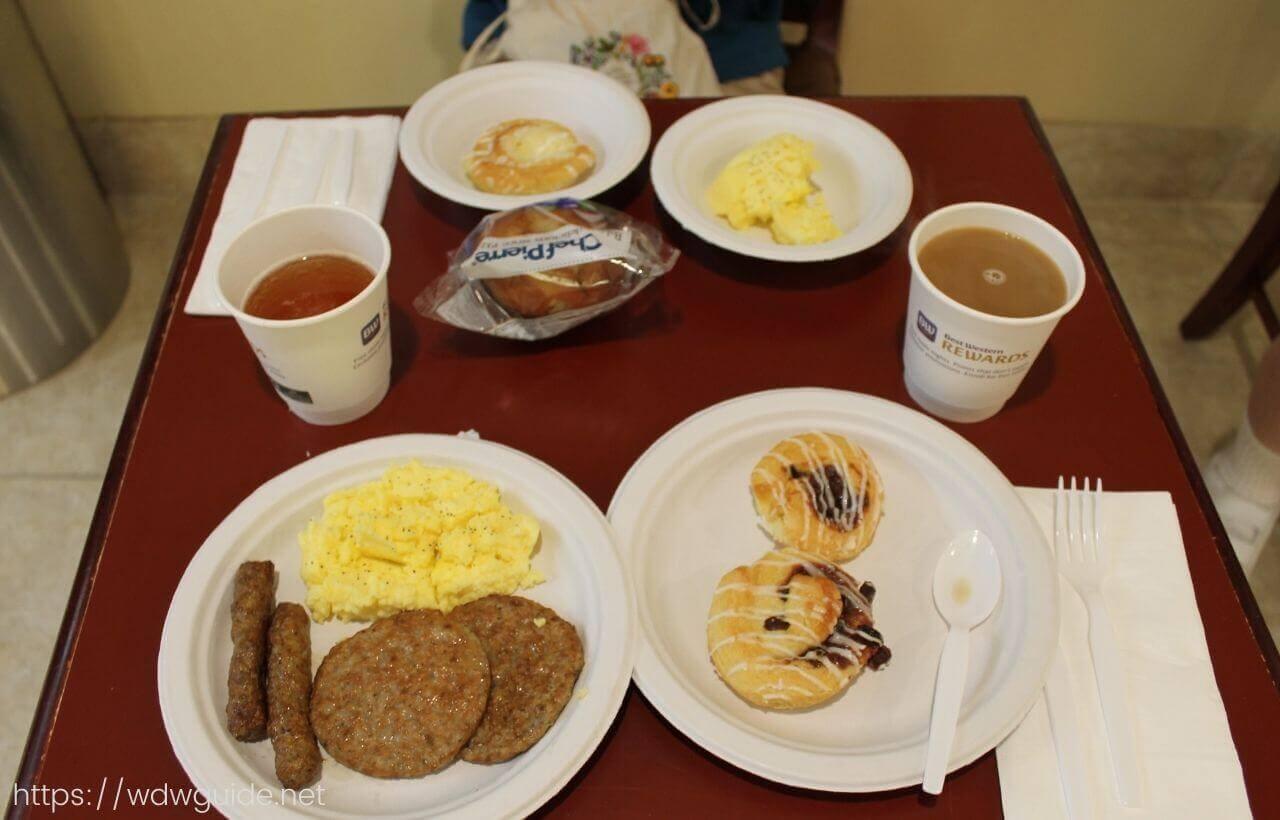 ベストウェスタン・フォートローダーデール エアポート/クルーズポート朝食のパン