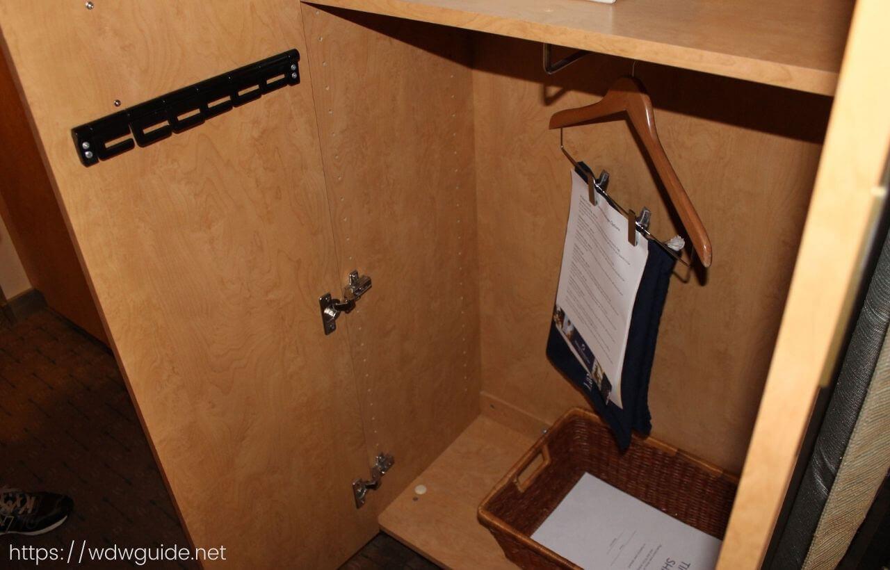 ザイデルダムの客室のクローゼット